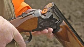 Un barbat din Teslui a murit dupa ce s-ar fi impuscat accidental cu o arma de vanatoare