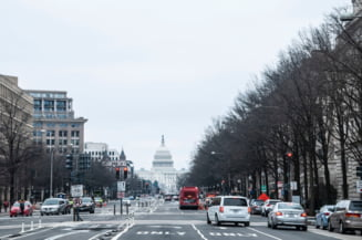 Un barbat inarmat, cu acreditare falsa, a fost arestat in Washington. El urma sa participe la ceremonia de inaugurare a presedintelui Biden