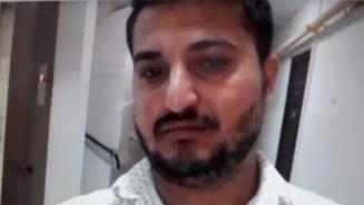 Un barbat si-a rapit propriul copil dintr-un imobil din Barlad. Politisti din sase judete, pe urmele lui