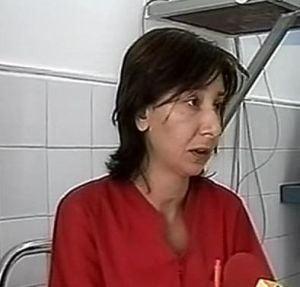 Un bebelus a fost scapat in cap la spital de o asistenta