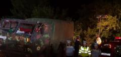 Un camion cu militari a cazut 40 de metri intr-o prapastie. Trei au murit si 9 au fost raniti UPDATE