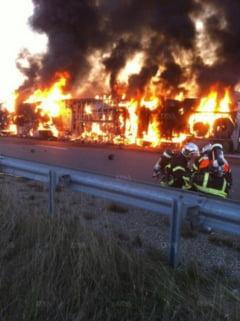 Un camion romanesc cu capsune a luat foc in Franta