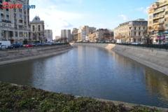Un canal al Dambovitei va fi secat in zona Unirii din Capitala. Asteptati-va sa miroasa urat!