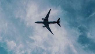 Un castigator al premiului Pulitzer ne cere sa nu mai mergem cu avionul