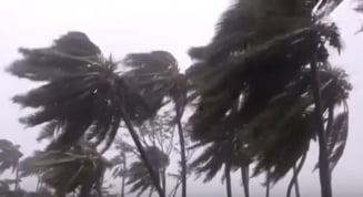Un ciclon face ravagii in Madagascar. Pana acum au murit zeci de oameni, 80.000 sunt sinistrati (Video)
