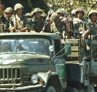 Un colonel sirian intoarce armele, infiintand Armata Libera Siriana