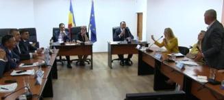 Un consilier local din Focsani i-a cerut unui fost militar sa-i impuste pe consilierii Opozitiei
