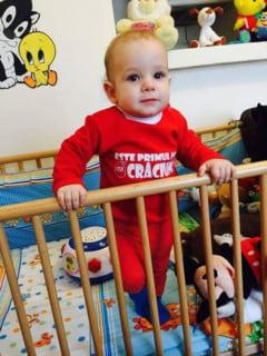 Un copil de 9 luni din Iasi va auzi pentru prima data, gratie unei campanii derulate exclusiv online