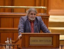"""Un deputat PNL explica de ce a votat impotriva lui Vlad Voiculescu: """"A fost o greseala."""" Si Varujan Pambuccian a votat in favoarea motiunii"""
