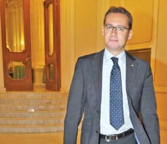 """Un deputat PSD cere """"evacuarea"""" lui Chiuariu din USL: Nu se trateaza un cancer cu paracetamol"""
