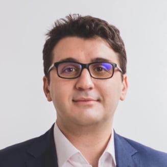 Un deputat USR acuza ca oamenii sunt obligati sa vina in alb la serviciu si sa mearga la mitingul PSD de la Craiova (Video)