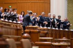 "Un deputat USR contesta ""jocul PNL"": Vor si blat cu PSD, si onoarea salvata in comisii, si Guvernul respins in plen"