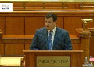 Un deputat a dat cu spray in plen in prezenta lui Carmen Dan: Doamna ministru, am aici niste gaze UPDATE
