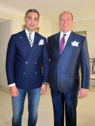 Un designer roman il imbraca pe principele Albert de Monaco