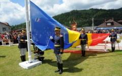 Un drapel de 24 de metri patrati a fost arborat la Tulghes in Harghita