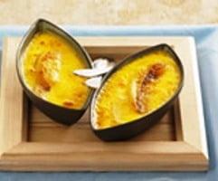Un dulce de weekend: crema de zahar ars cu banane si suc de portocala