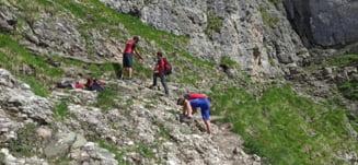 Un electrician din Galați a fugit în munți și este căutat de salvamontiști. Cu o zi înainte a asistat la moartea colegului său pe un stâlp de înaltă tensiune