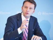 Un eurodeputat italian ii jigneste pe romani - Siegfried Muresan cere sanctionarea lui