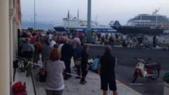 Un feribot cu aproape 800 de oameni la bord a esuat in Grecia