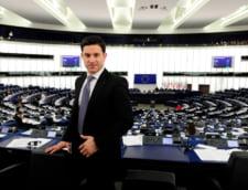 Un fost europarlamentar PDL a fost trimis in judecata. Ar fi pacalit PE cand deconta biletele de avion si benzina