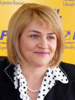 Un fost ministru PNL cere sa fie mutat coaforul din Parlament: La acelasi etaj isi tin PSD-istii sedintele