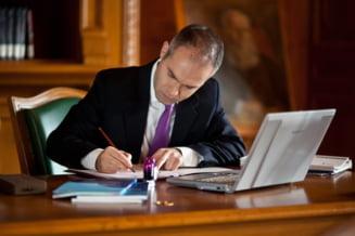 Un fost ministru al Educatiei ii da replica lui Iohannis: Ma simt jignit