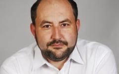Un fost primar UDMR-ist, dat in urmarire nationala dupa ce a fost condamnat la inchisoare cu executare