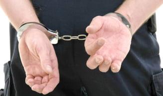 Un fost sef de parchet si doi directori ai Electrica - inchisoare cu executare pentru coruptie