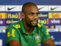 Un fotbalist cu 76 de meciuri in nationala Braziliei ii da o replica dura lui Ianis Zicu