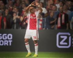 Un fotbalist cu probleme cardiace s-a prabusit pe teren intr-un amical disputat de Ajax (Video)