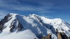 Un ghetar de pe Mont Blanc se poate prabusi oricand. Italienii au inceput evacuarea
