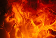 Un incendiu puternic a distrus partial o pensiune. Pompierii s-au luptat sase ore cu flacarile