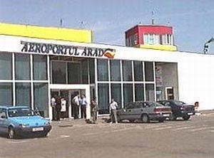 Un italian, prins pe aeroportul din Arad cu trei cartuse ascunse in bagaje