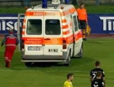 Un jucator de-al lui Hagi a provocat o accidentare groaznica: Scos cu ambulanta de pe teren!