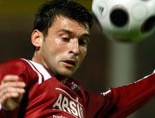 Un jucator rapidist ii cere lui Copos daune de 450 de mii de euro
