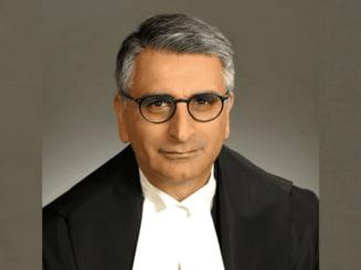 Un judecator de origine indiana, nascut in Kenya, prima persoana de culoare care ajunge in Curtea Suprema a Canadei