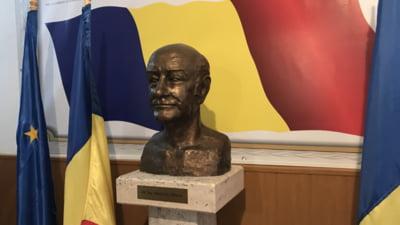 Un liceu a fost botezat dupa tatal lui Adrian Nastase, fost membru in Partidul Comunist