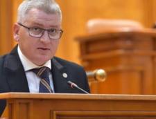 Un lider liberal acuza PSD si ALDE ca vor sa inchida 1.000 de scoli: Vor control total asupra profesorilor (Video)