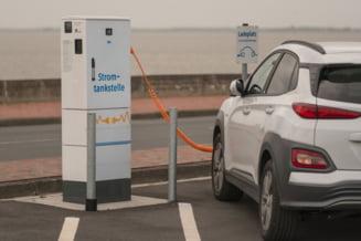 Un mare producator auto anunta ca renunta din 2026 la masinile cu motor pe benzina si motorina