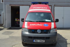 Un microbuz s-a ciocnit cu o masina in Bacau: 16 oameni au ajuns la spital