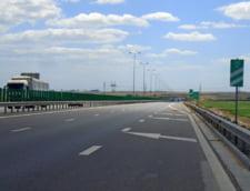 Un microbuz s-a rasturnat pe Autostrada Soarelui: Trei raniti, trafic restrictionat