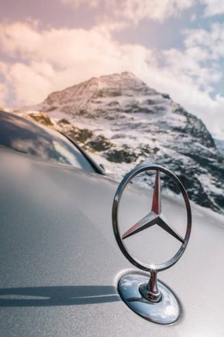 Un milion de automobile Mercedes sunt rechemate la service. Au o problema la airbag