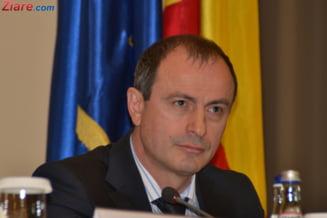 Un ministru spune ca are salariul cat o secretara la Comisia Europeana