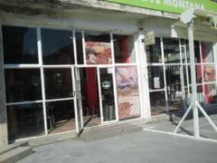 Un mistret a spart un bar din Petrosani