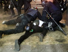 Un mort la Portland, in timpul unor ciocniri intre manifestanti impotriva rasismului si sustinatori ai lui Trump