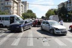 Un mort si sase raniti in accidente rutiere