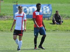 Un nigerian, fotbalist la AS Pelinu, in Liga a 5-a. Cum a ajuns la echipa din judetul Constanta (galerie foto)