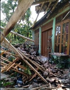 Un nou cutremur puternic in Indonezia. Cel putin sapte persoane au murit