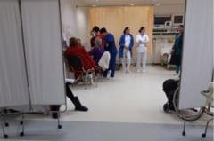 """Un pacient acuza atmosfera """"de cafenea"""" de la Urgentele Spitalului Municipal Onesti"""