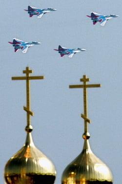 Un pariu pentru Vladimir Putin: Rusia - o putere militara mondiala